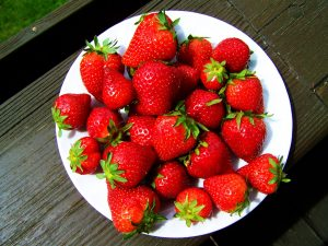 strawberry-plate